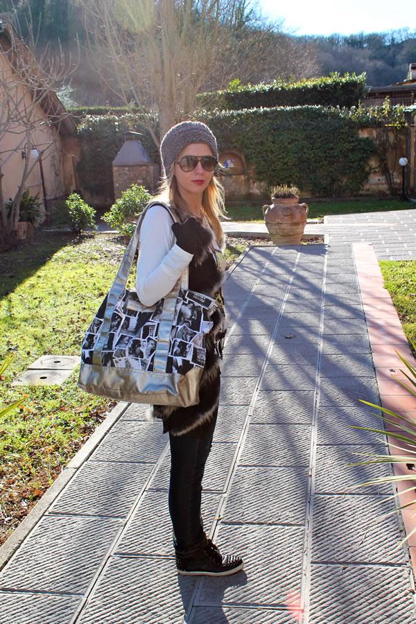 Cristina con borsa Victoria's Secret