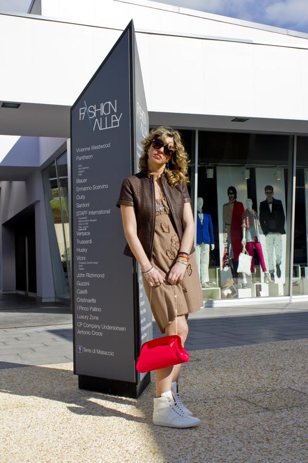 Cristina Lodi in Fashion Valley vestita da CristinaEffe