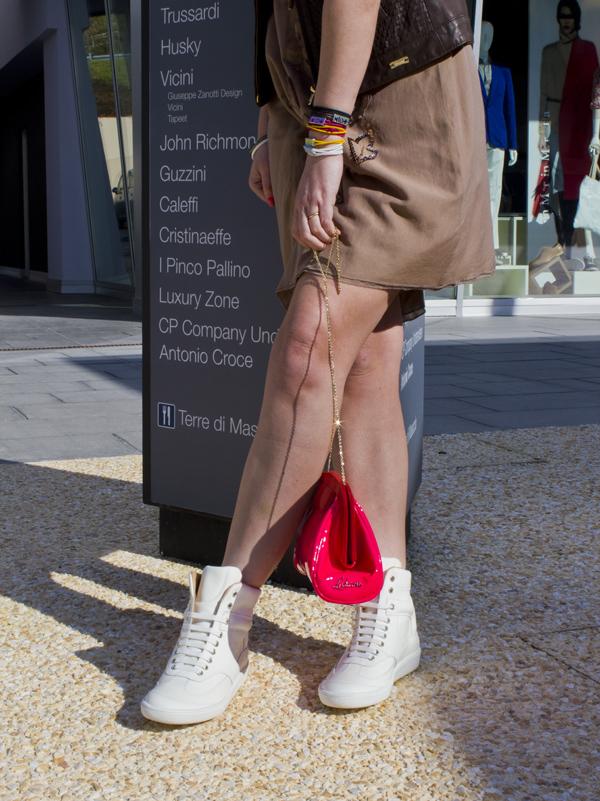 Cristina Lodi in Fashion Valley con borsa Ludicious