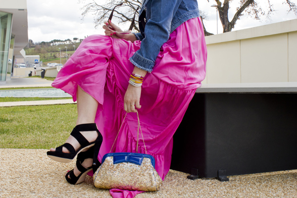 La Fashion Blogger Cristina Lodi con braccialetti xlo+