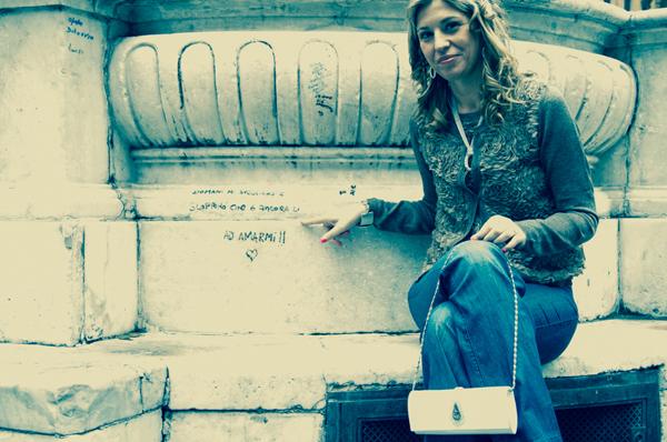 Cristina Lodi indossa cardigan CristinaEffe