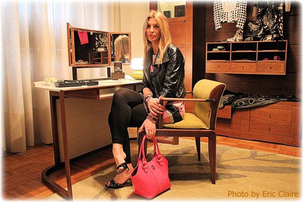 La Fashion Blogger Cristina Lodi ammira gioielli Damiani