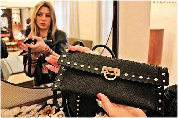 La Fashion Blogger Cristina Lodi con borsa Ferragamo