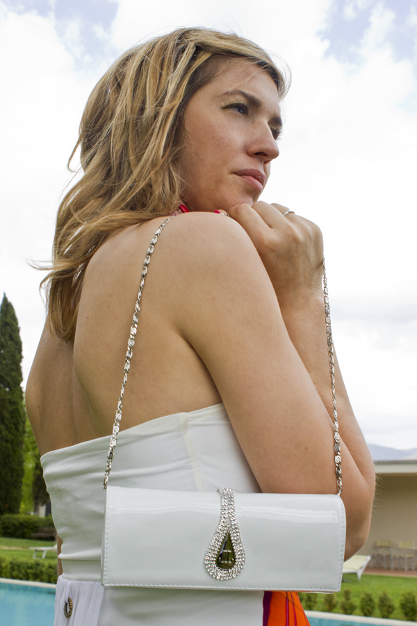 La Fashion Blogger Cristina Lodi con pochette Loriblu