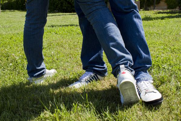 Cristina e Sergio con sneakers  Dsquared2