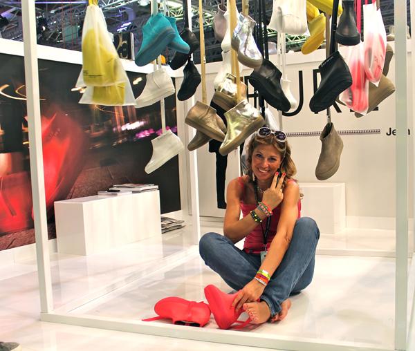 """Cristina Lodi con la """"capsule Pure"""" di Jean Nouvel per Ruco Line"""