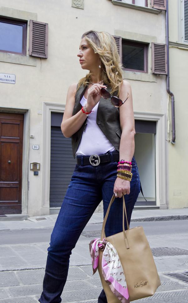 La Fashion Blogger Cristina Lodi con borsa Ken Scott