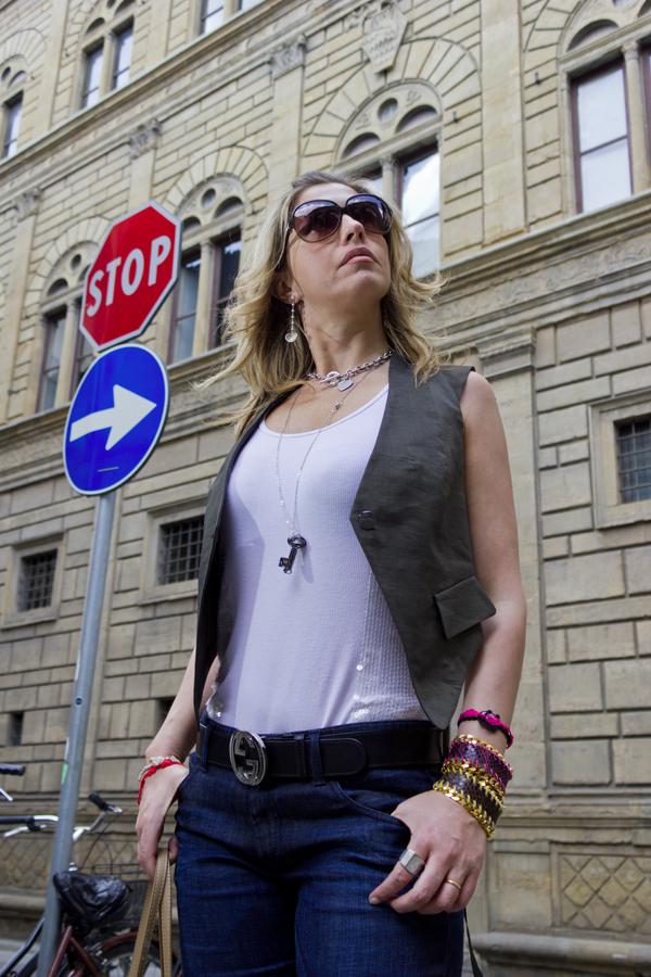 La Fashion Blogger Cristina Lodi con orecchini Pasquale Bruni