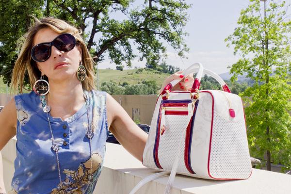 Cristina di 2 Fashion Sisters per Alviero Martini 1 Classe