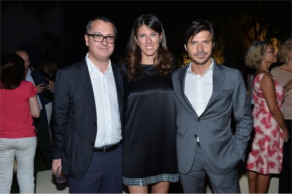 ll direttore di Vanity Fair Luca Dini, la country manager di Deezer Italia Laura Mirabella e il Marketing Director di Vanity Fair Antonio Casamassima