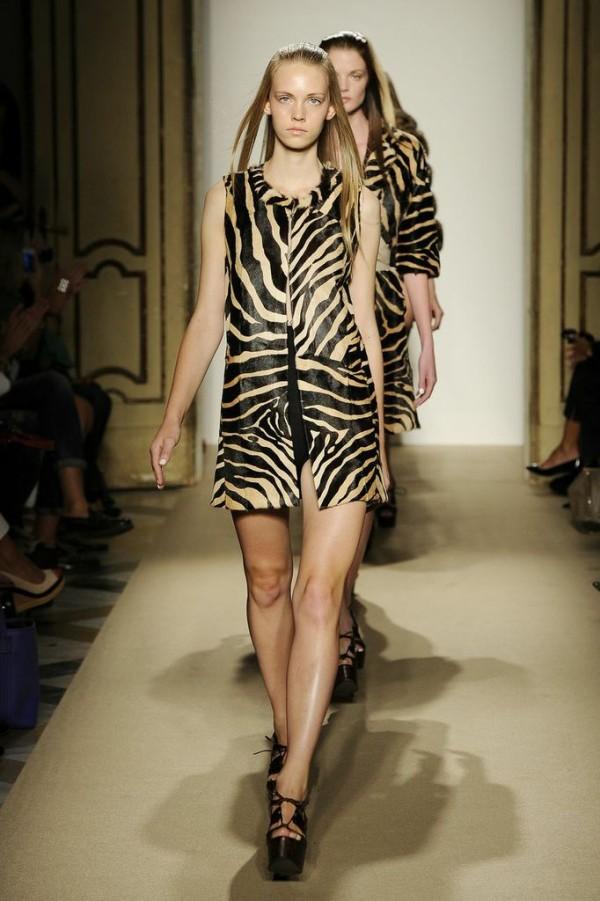 MFW: Simonetta Ravizza: Metropolitan style with Hippy-Chic ...