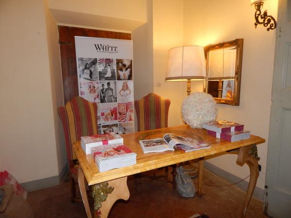 Hotel Details, castello di Montegufoni, Toscana, white
