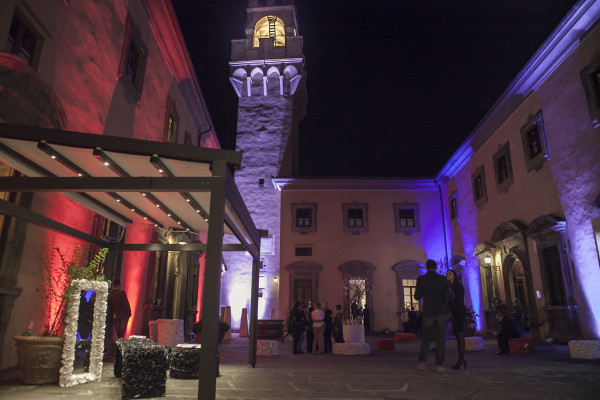 Hotel Details, castello di Montegufoni, Toscana , 2 fashion sisters