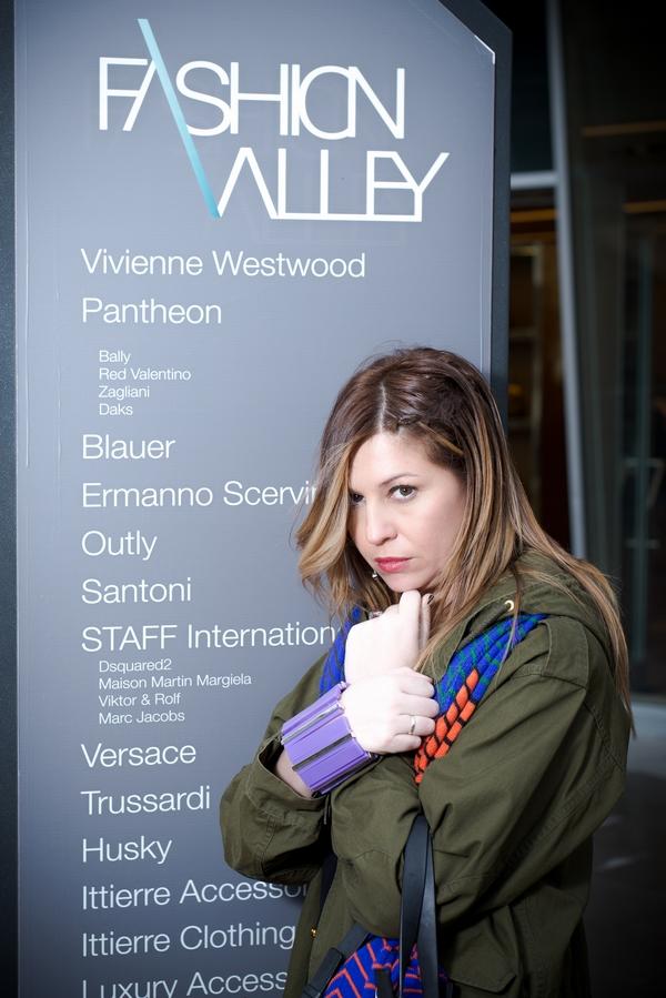 fashion valley, cristina lodi, versace