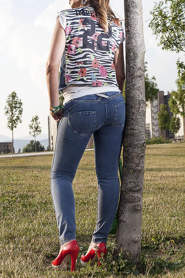 Cristina Lodi, jeans Freddy, giubbotto Imperfect, scarpe Miu Miu