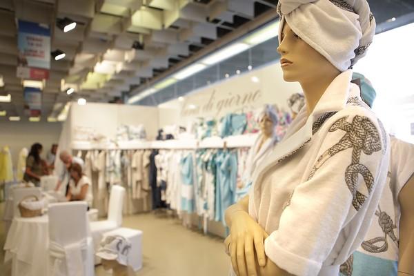 2 fashion sisters, luna di giorno, fashion blog, beachwear, summer
