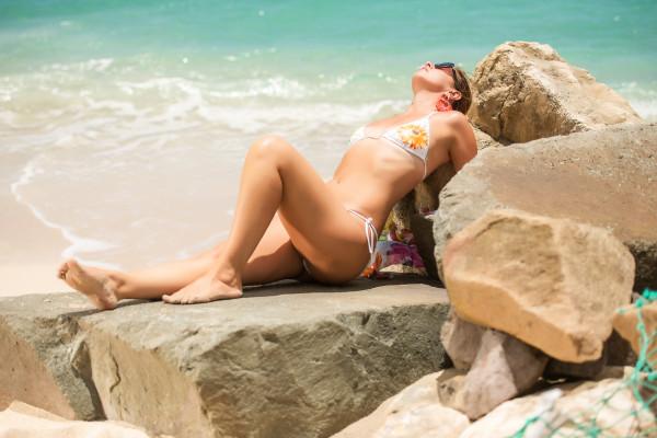 cristina lodi, 2 fashion sisters, fashion blogger italia, stress srl, bikini domani, antigua