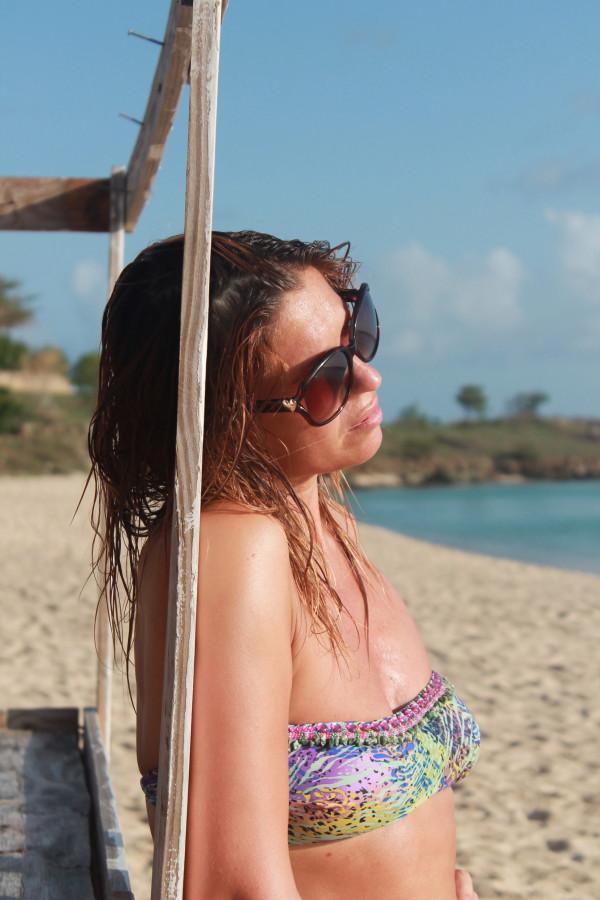 cristina lodi, bikini bbrasil, antigua, 2 fashion sisters, fashion blogger italia, occhiali moschino