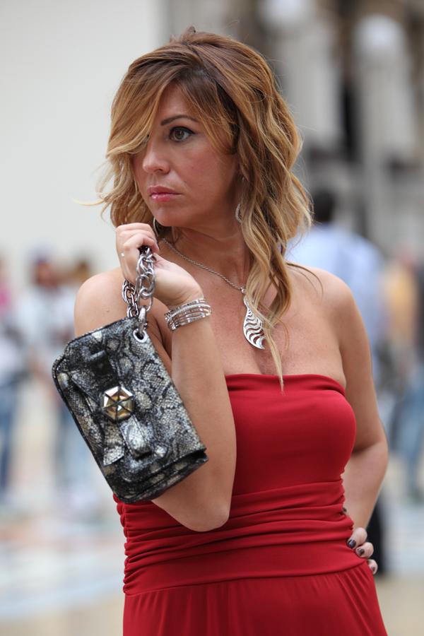 Cristina Lodi, abito rosso, 2 fashion sisters, fashion blogger, Stroili