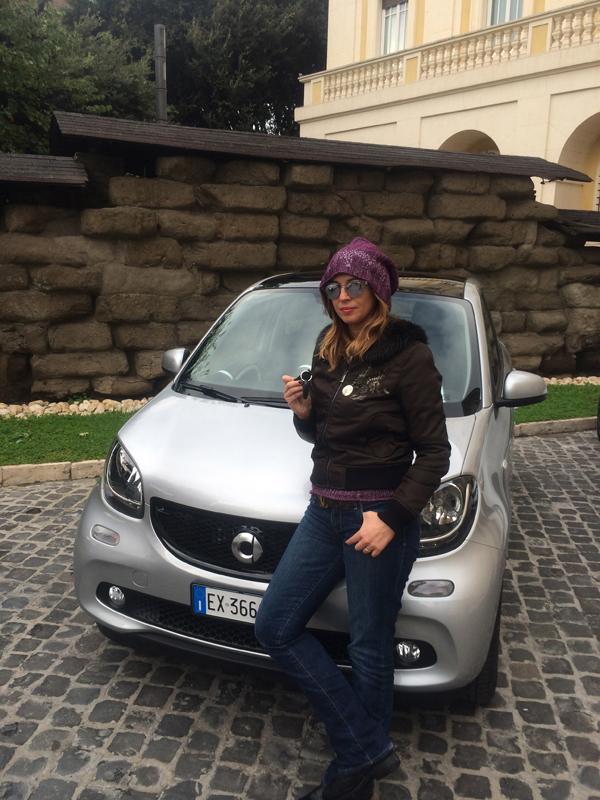 Cristina Lodi, giubbotto seventy, jeans Roy Roger's, test drive, roma