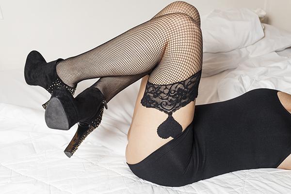 Cristina Lodi, autoreggenti Shidue, tronchetto Luciano Barachini, 2 fashion sisters, lingerie, calze