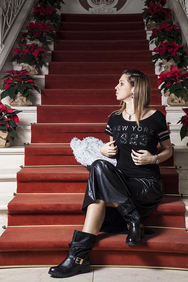 Cristina Lodi, gioiello siamo tutti scimmie, boots Emanuelle Vee, fashion blogger italia, villa la borghetta, gilet vero moda