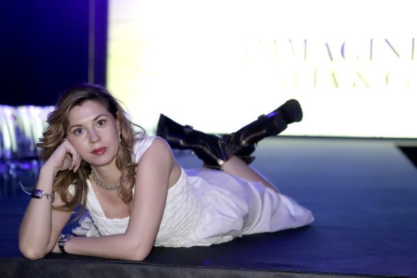 Cristina Lodi,boots luciano barachini, 2 fashion sisters, abito grazia 'lliani, immagine italia