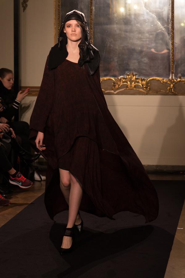 14 Nicholas K Fall-Winter 2015-16 Womenswear Collection, 2 fashion sisters