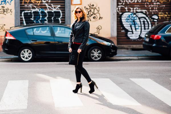 Cristina Lodi, 2 fashion sisters, leggings janira, giubbotto cristinaeffe, scarpe luciano barachini, occhiali athina lux