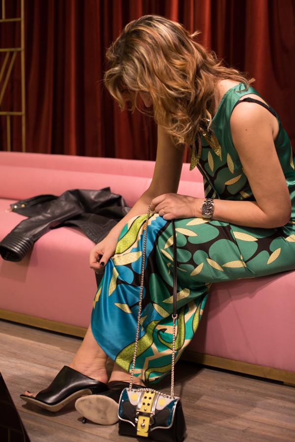 Cristina Lodi indossa abito Miranda Konstantinidou, clutch Paula Cademartori, De Siena Shoes