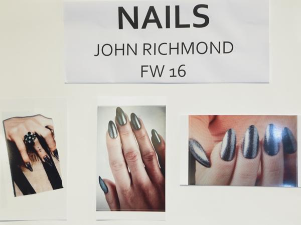 John Richmond backstage, 2 fashion sisters