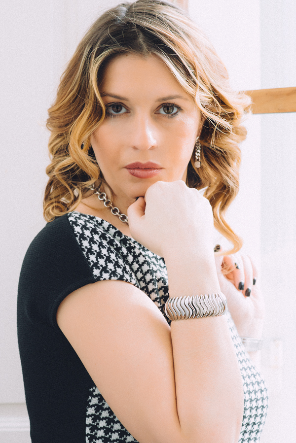 Cristina Lodi, abito CristinaEffe, bracciale Breil, orecchini Zoppini, Villa Olmi