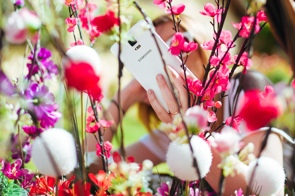 Cristina Lodi, 2 fashion sisters, samsung, smartphone