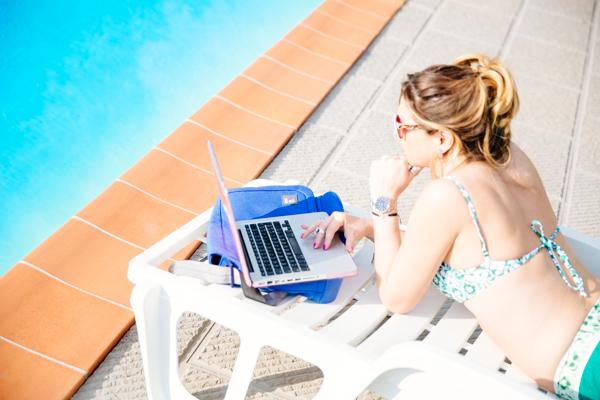 Cristina Lodi, Mac, borsa porta pc portatile nava design, 2 fashion sisters, bikini domani