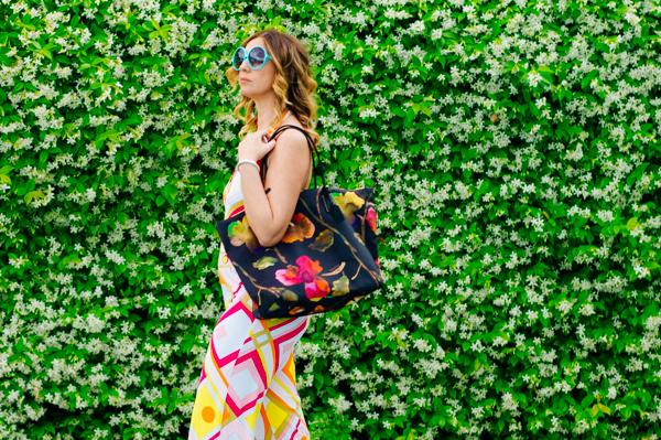 Cristina Lodi per Athina Lux, occhiali color tiffany, 2 fashion sisters, tuta domani, geometrie anni 60, borsa roberta pieri