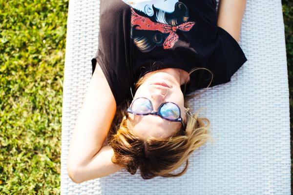 Cristina Lodi, tshirt siamoises, shorts Christies, occhiali athina lux