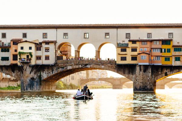 ponte vecchio, firenze, 2 fashion sisters