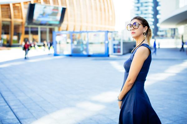 Cristina Lodi, abito ecopelle Grazia 'Lliani, gioielli modi stile, occhiali athina lux, mfw, piazza gae aulenti