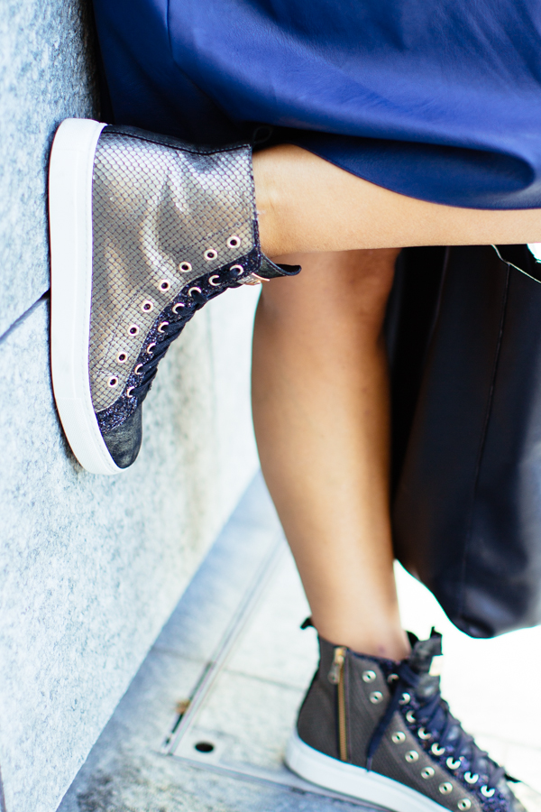 Cristina Lodi, abito ecopelle Grazia 'Lliani, scarpe stokton, mfw