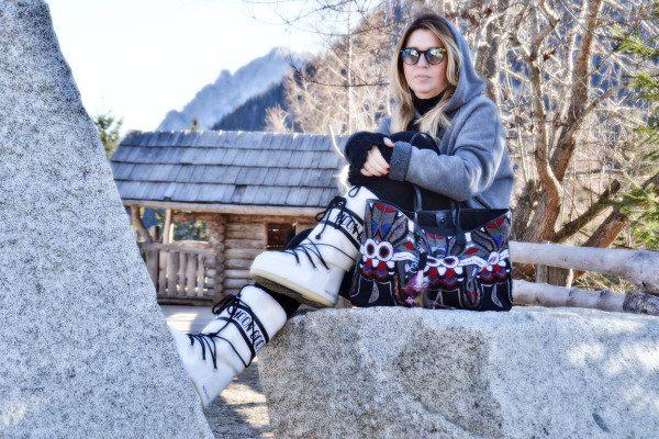 Cristina Lodi, Felpa Two Play, guanti bugie by coccoli, moon boot, borsa v73, san vigilio di marebbe, montagna, dolomiti super sky
