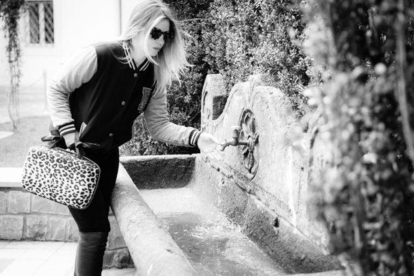 Cristina Lodi, giacca college two play, occhiali athina lux, stivali nr rapisardi, hotel ville sull'arno firenze, borsa salce 197