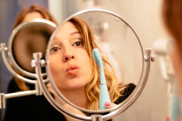 cristina lodi, spazzolino, elettrico, foreo issa, spazzolino da denti, beauty, 2 fashion sisters