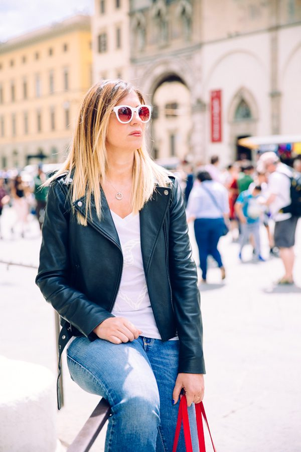 Cristina Lodi, chiodo diesel, jeans diesel, borsa rossa, borsa piero guidi